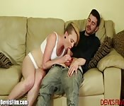 Miley chupando y follando