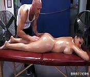 Massage relaxant et le sexe intense