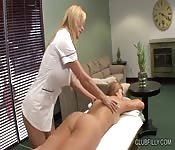Blonde on blonde sexy massage with a hot ass
