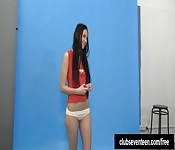 Posant en lingerie