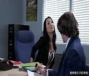 Baise sa patronne orientale dans le cul