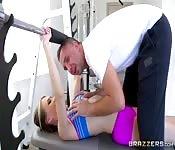 Der Teenie und der perverse Trainer