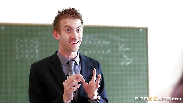 Profesor Y Alumna - Videos Porno Gratis de Profesor Y