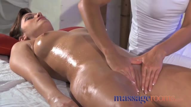 massage erotique a 4 mains filles sexy nature